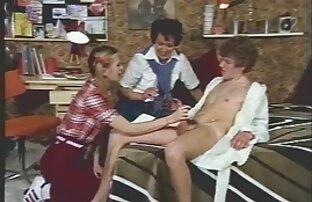 जोड़े को बिस्तर पर फोटो इंग्लिश फिल्म सेक्सी मूवी मिला