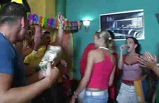 काम के बाद एक आदमी चुंबन और गीला सेक्सी मूवी बीपी वीडियो समर्थन का आनंद ले रहे