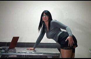 युवा प्रेमी के साथ पिन लड़की आलिया भट्ट की सेक्सी मूवी